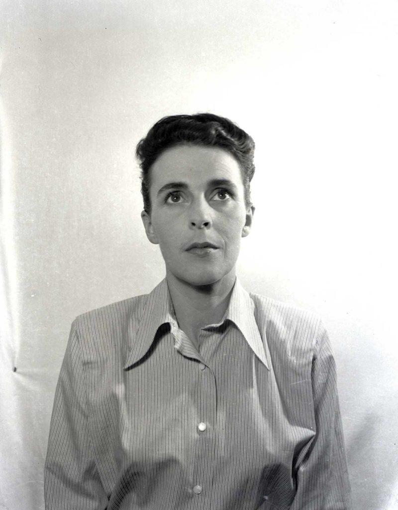 Leonora fotografiada por Emérico